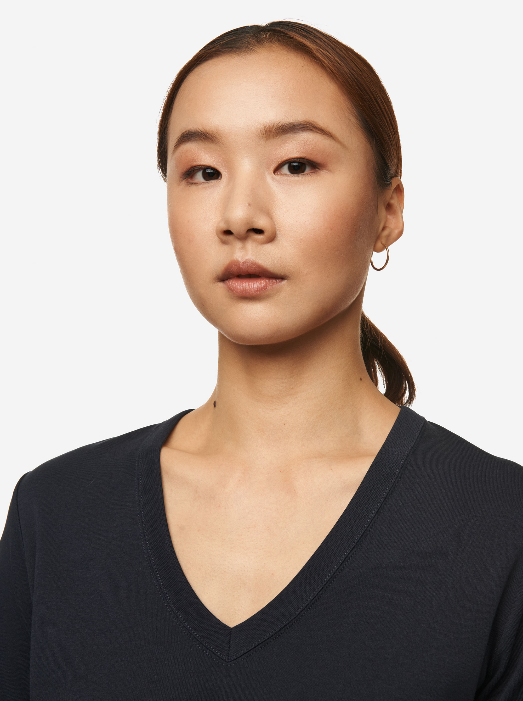 Teym - The T-Shirt - V-Neck - Women - Blue - 4