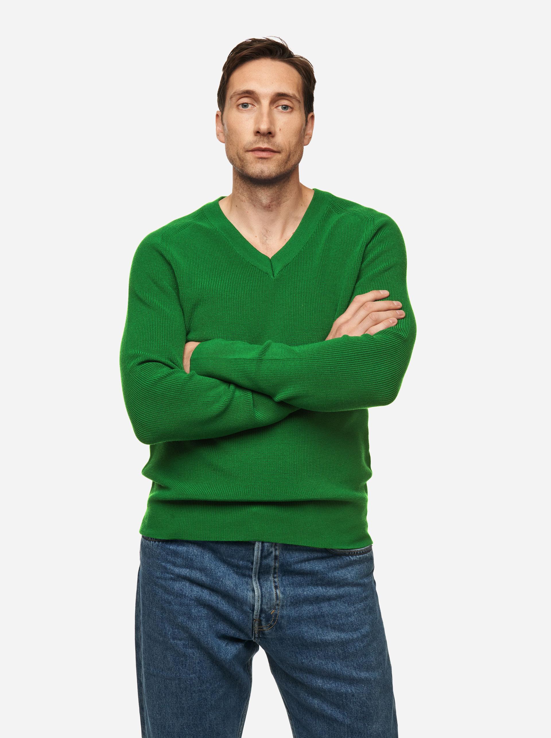 Teym - V-Neck - The Merino Sweater - Men - Bright Green - 1