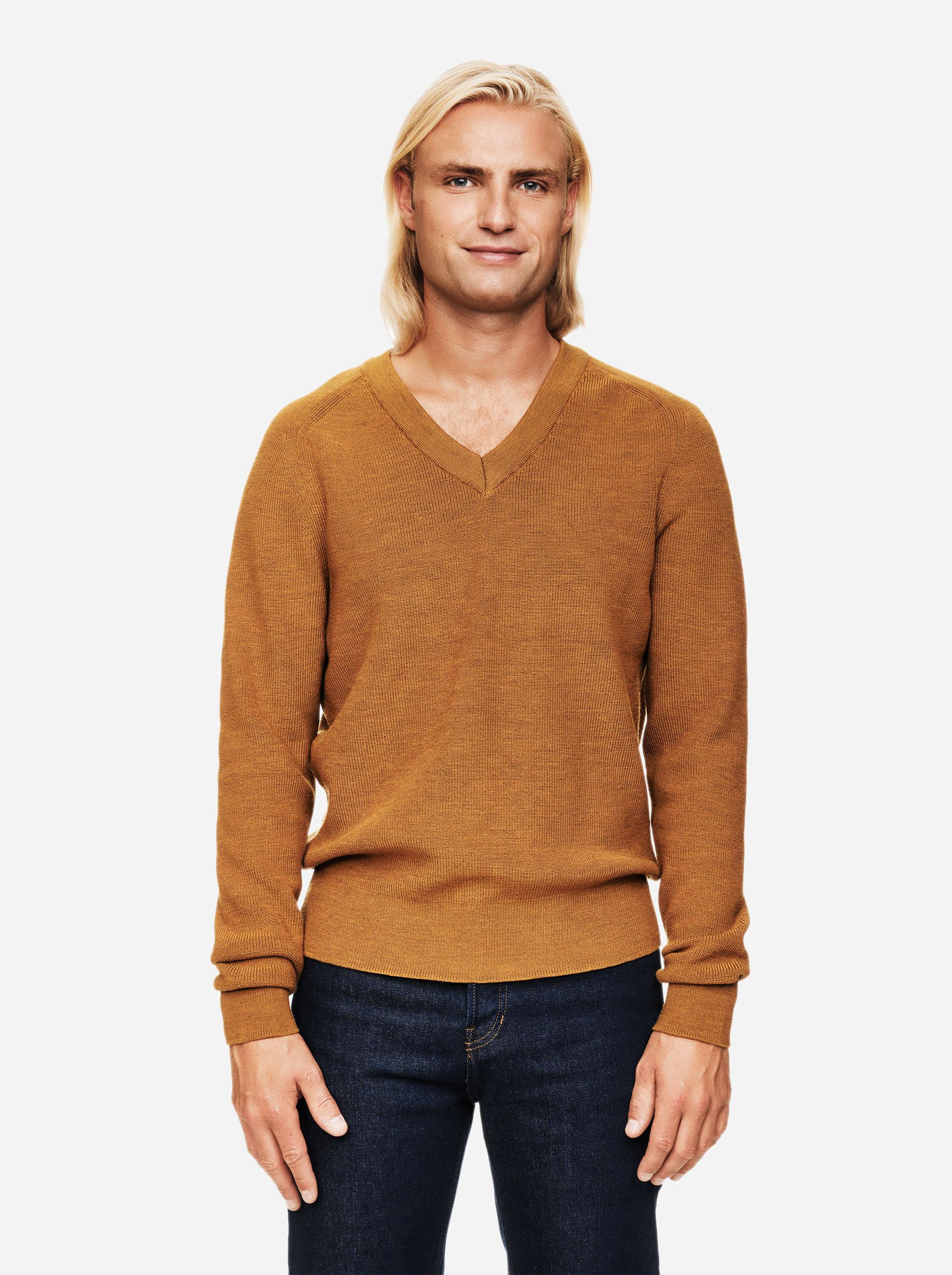 Teym - V-Neck - The Merino Sweater - Men - Mustard - 1