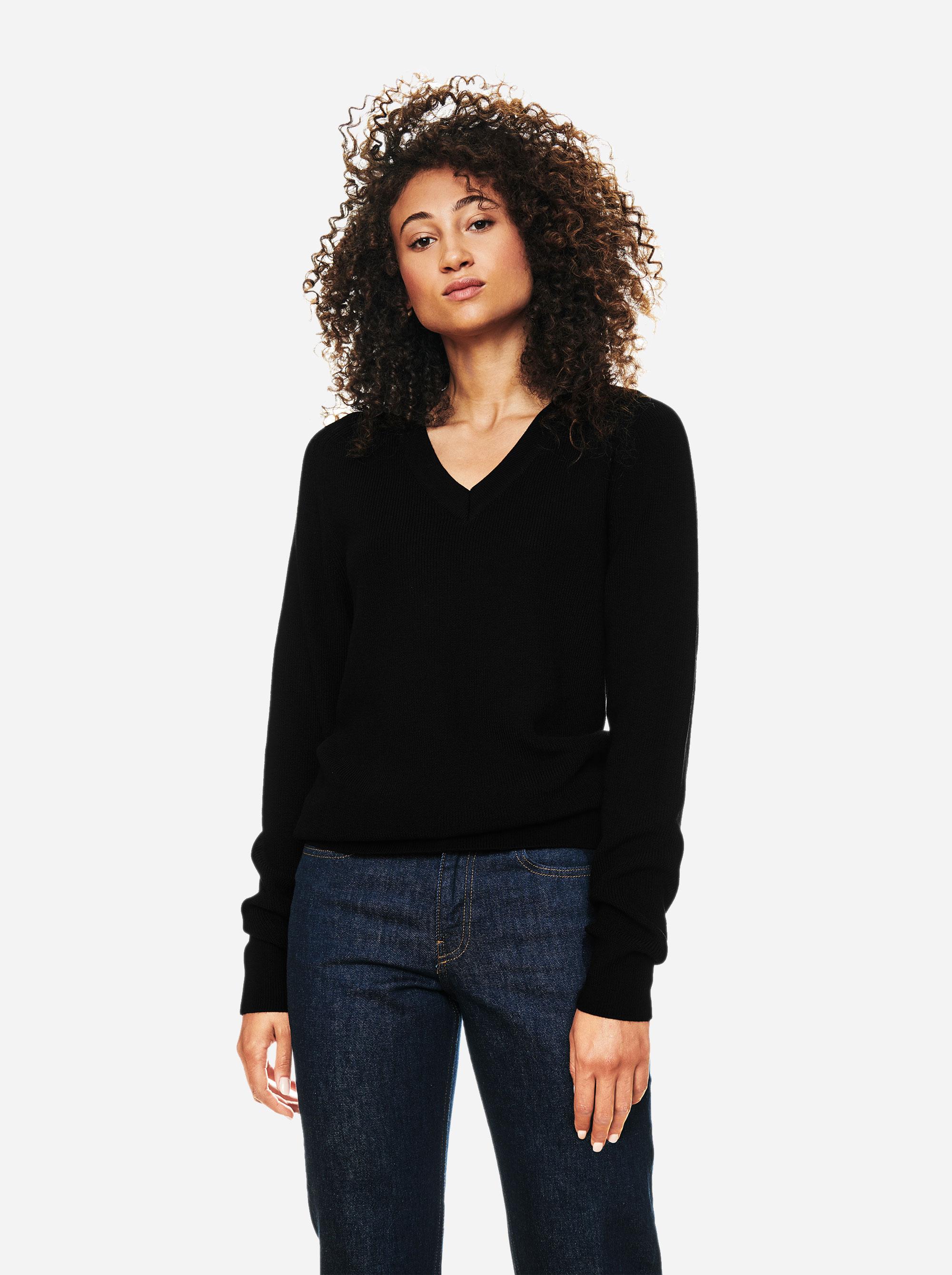 Teym - V-Neck - The Merino Sweater - Women - Black - 2