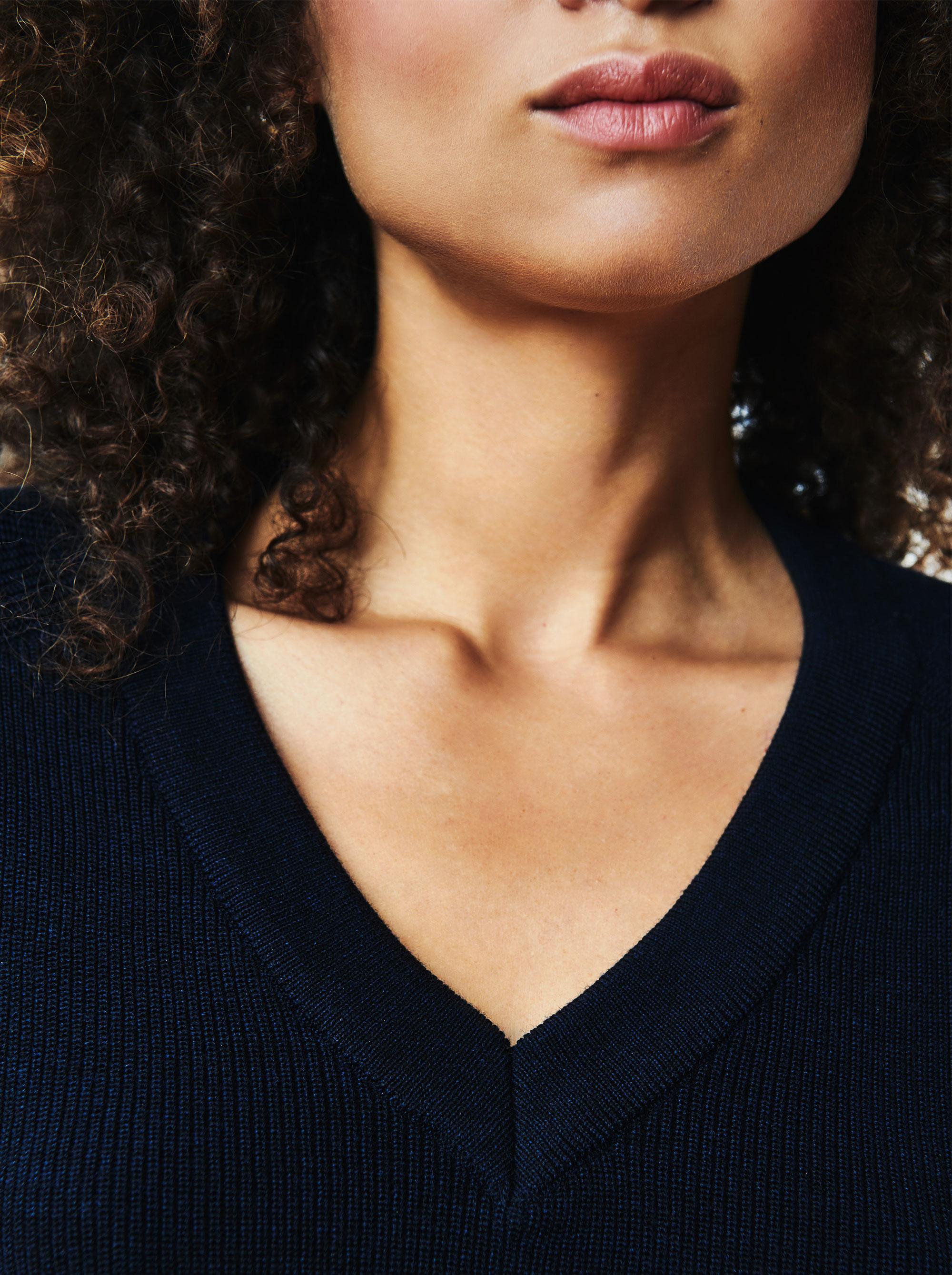 Teym - V-Neck - The Merino Sweater - Women - Blue - 2