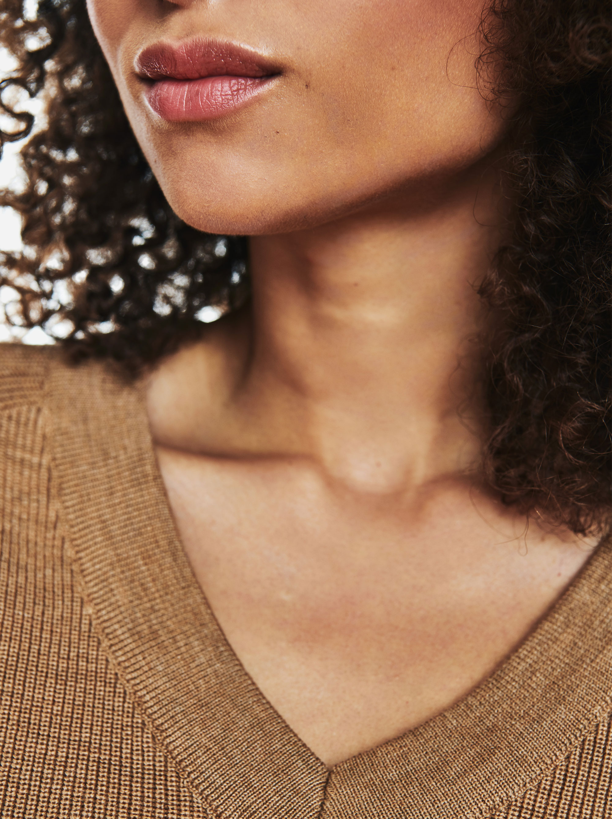 Teym - V-Neck - The Merino Sweater - Women - Camel - 2