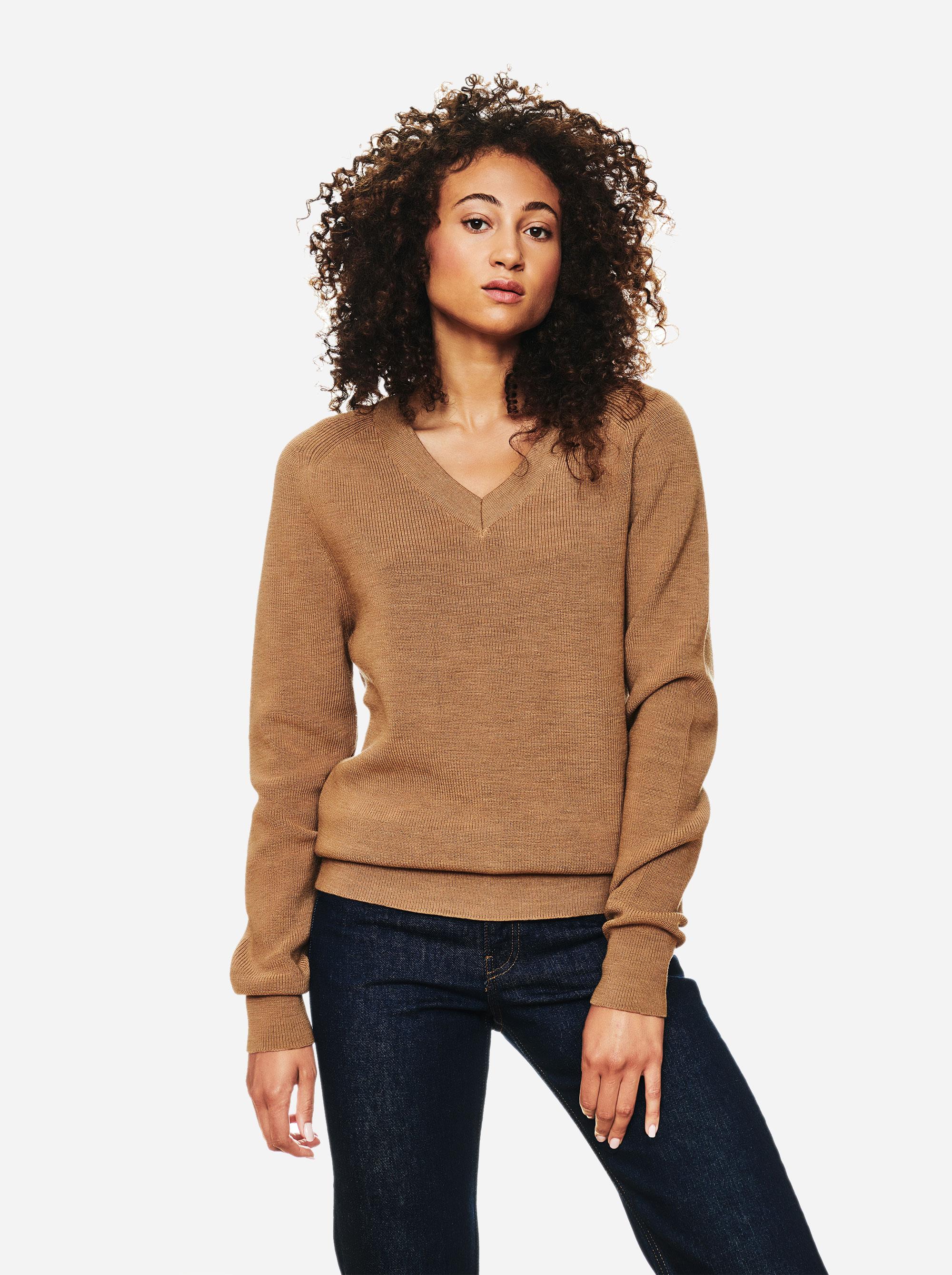 Teym - V-Neck - The Merino Sweater - Women - Camel - 3